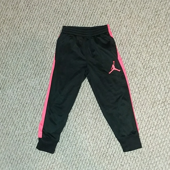 a58c610e0cd Jordan Bottoms | Excellent Condition Toddler Boy Joggers | Poshmark